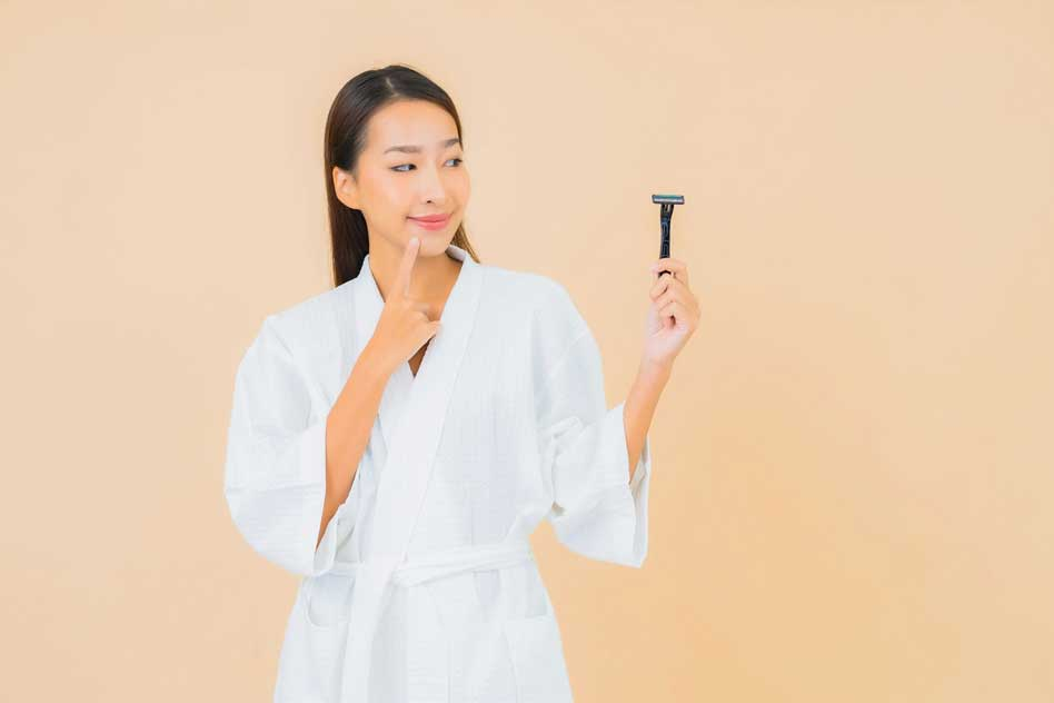 16 Best Eyebrow Trimmers For Men and Women [2021 Reviews]